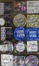 New year paper plates and napkins