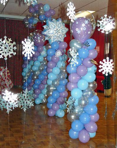 Winter wonderland balloon column